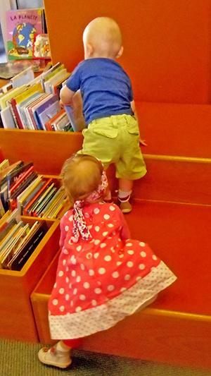 Bébés à la bibliothèque